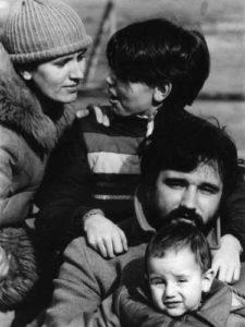 U krugu porodice: prva žena Biljana i sinovi Ivan i Vuk